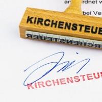 Kirchensteuer-Stempel_Fotolia_37610748_XS_copyright: Erwin Wodicka