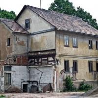 Vermietung_verlassenes-Haus_Fotolia_33363481_XS-copyright: Firma V